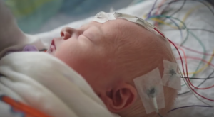 Baby feels pain a week after birth