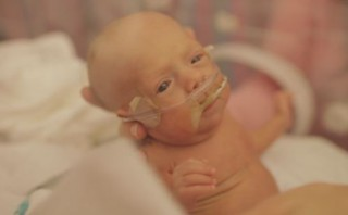 "Dad of preemie born at 25 weeks, ""Dig in, have faith, and keep on keeping on"""